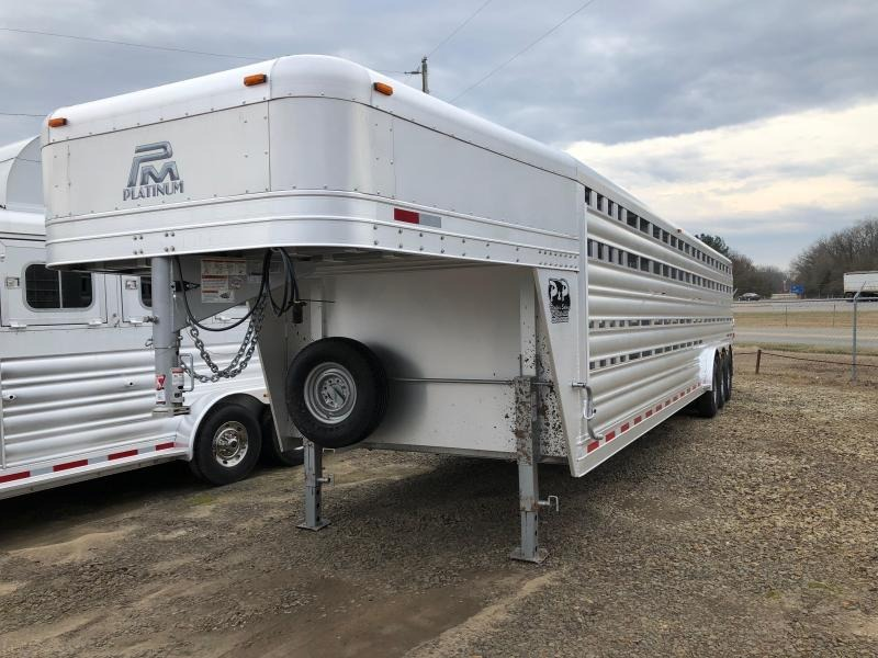 2019 Platinum Coach 32 Stock GN Livestock Trailer
