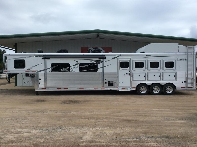 2019 Lakota  BH8417T  4H 17' LQ in Ashburn, VA