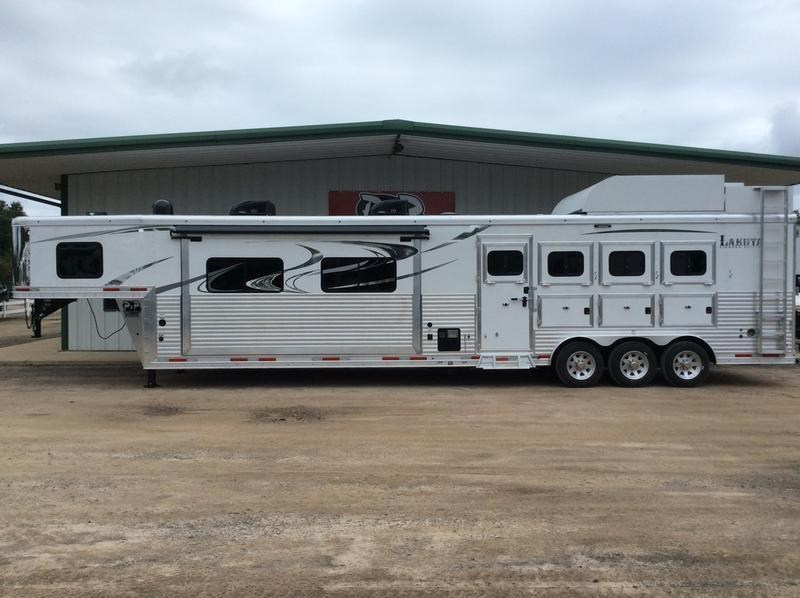 2019 Lakota  BH8417T  4H 17' LQ in Ashburn, VA