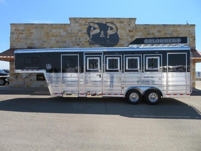 2019 Bloomer 4 Horse Trainer 4 Horse Trailer Slant