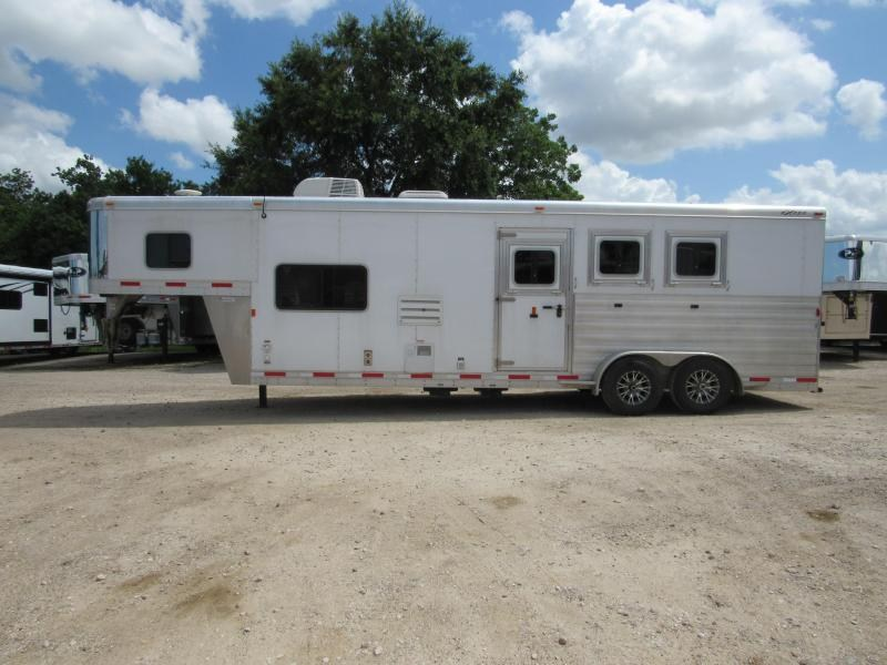 2015 Exiss Trailers Escape 6310 3 Horse Slant Load Trailer 10 LQ in Ashburn, VA