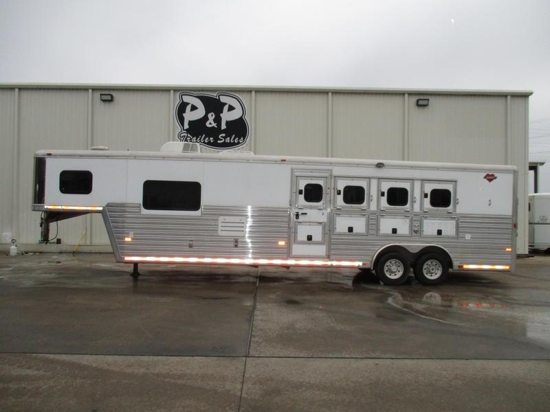 2008 Hart Trailers 4 Horse 11'SW