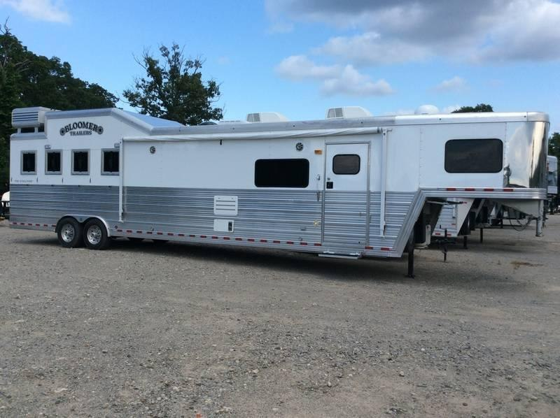 2012 Bloomer 8417OL 4 Horse Trailer 17 LQ With Slides Slant