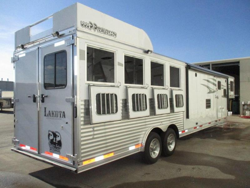"2019 Lakota Trailers Charger Edition C8413.5 4 Horse 13'5""Short Wall"