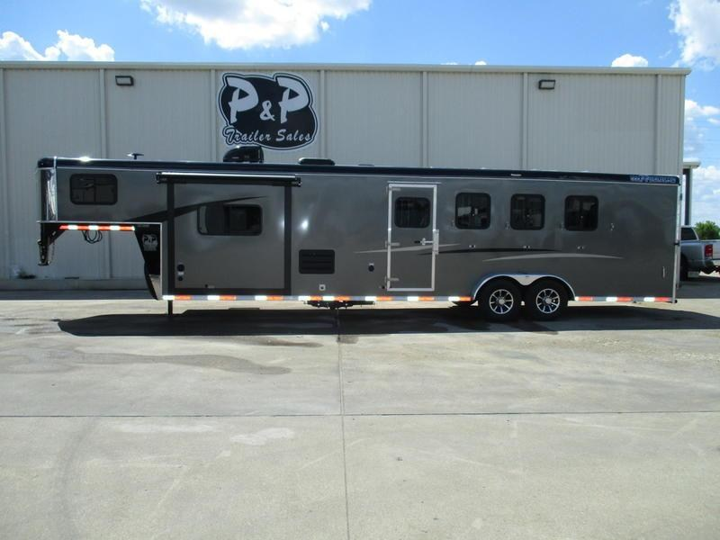2019 Bison 7411THSO 4 Horse 11' Short Wall w/Slide-out
