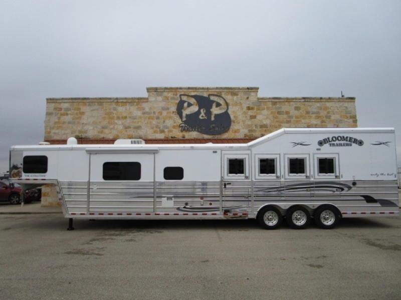 2019 Bloomer 4 Horse 1510 in Ashburn, VA