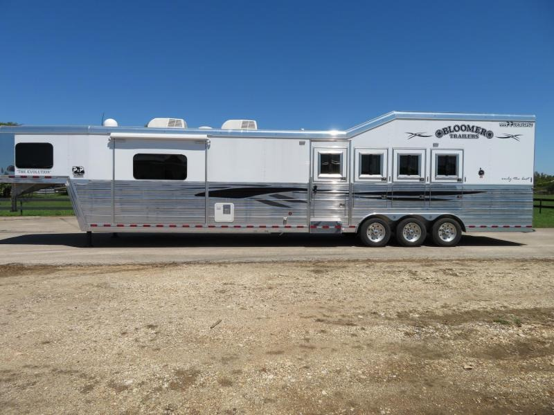 2018 Bloomer 8417PCTB Trail Boss Conversion 4 Horse Trailer 17 LQ With Slides Slant