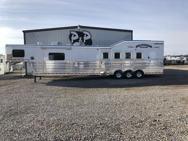 2018 Bloomer Trailers 8417PCTB 4 Horse 17' Short wall with Trail Boss Conversion