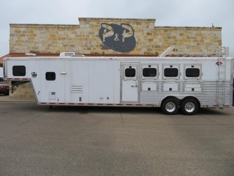 2003 Hart Trailers 4 Horse 12ft Short Wall 4 Horse 12 LQ Horse Trailer Slant in Ashburn, VA