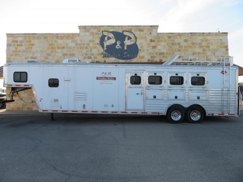 2003 Hart Trailers 4 Horse 12ft Short Wall 4 Horse 12 LQ Horse Trailer Slant