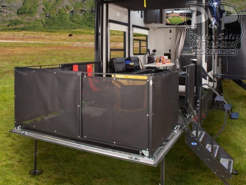 2020 Keystone Fuzion 429 44 ft Toy Hauler RV