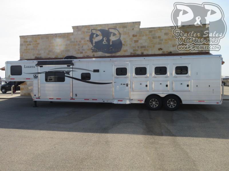 2014 Lakota C8415 Horse Trailer