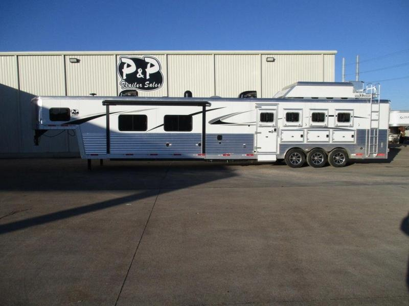 2018 Bison 8420PRDS 4 Horse 20' Short Wall with 2 Slide-out's & Generator in Ashburn, VA
