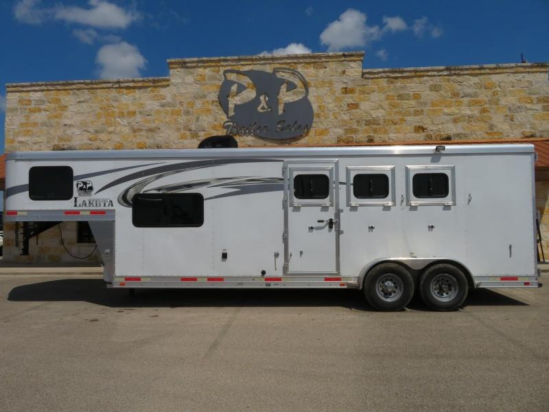 2017 Lakota C39 3 Horse Trailer 9 LQ Slant