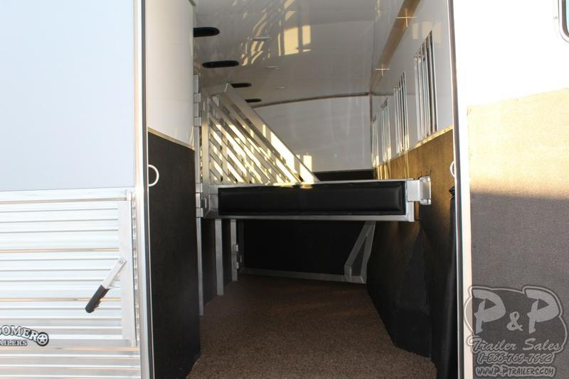 2018 Bloomer Trailers 4 Horse Trainer 4HGNTRN