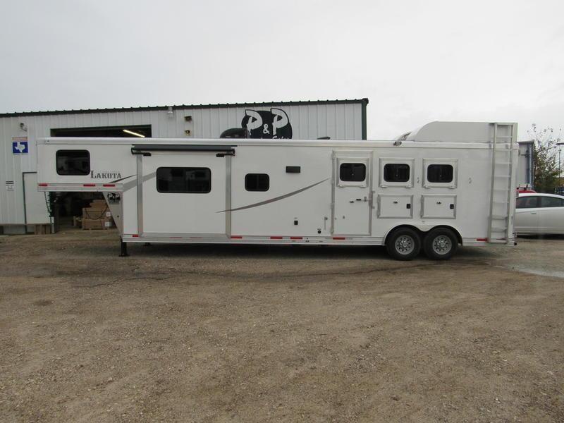 2019 Lakota Trailers 3 Horse 15' Shortwall Living Quarter