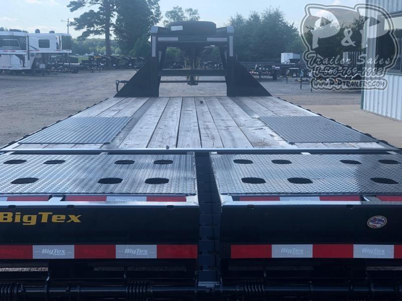 2019 Big Tex Trailers 22GN-20BK+5MR 25 ft Flatbed Trailer