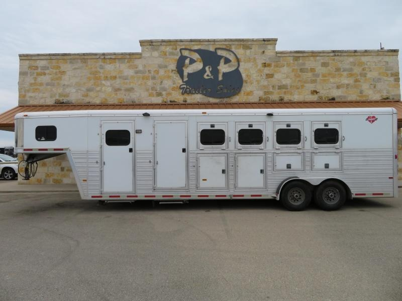 2005 Hart Trailers Gooseneck with Mid Tack 4 Horse Horse Trailer Slant