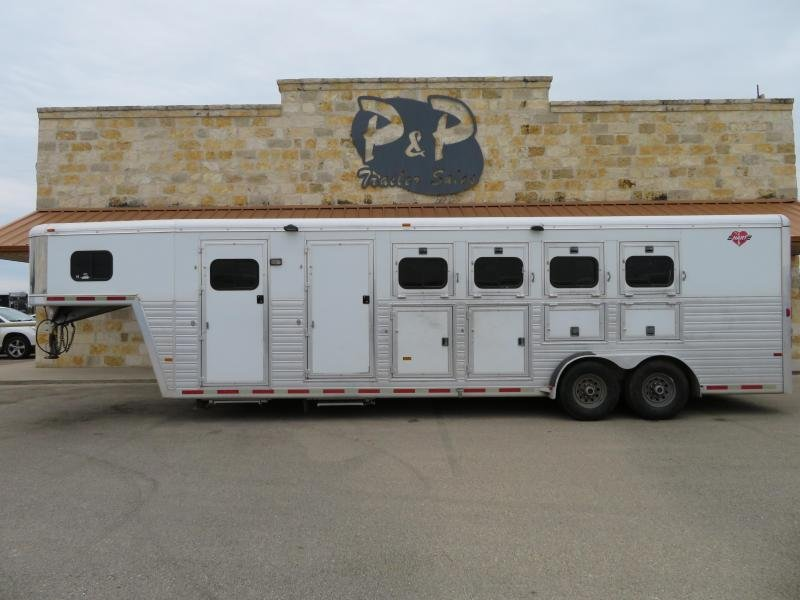 2005 Hart Trailers Gooseneck with Mid Tack 4 Horse Horse Trailer Slant