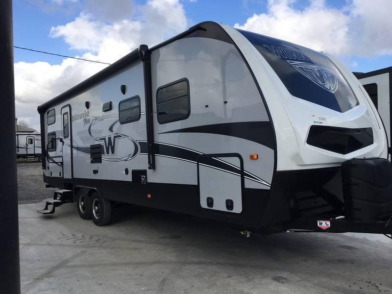 2018 Winnebago Minnie Plus 27BHSS