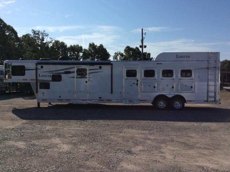 2019 Lakota Trailers C8415BB