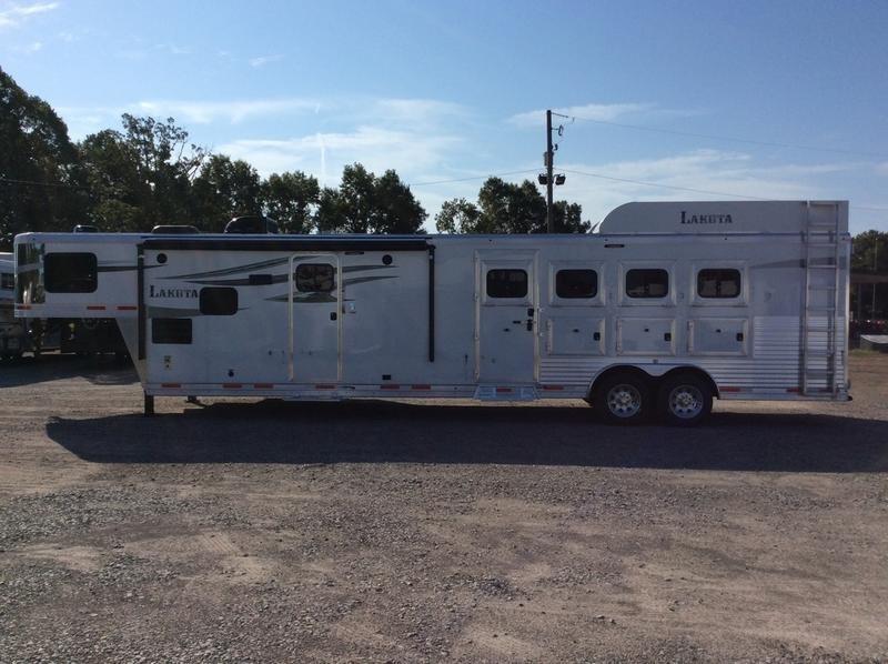 2019 Lakota Trailers C8415BB