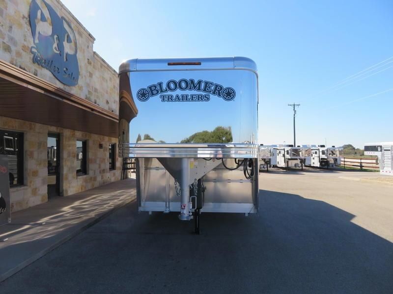 2020 Bloomer Trailers 6 Horse Trainer
