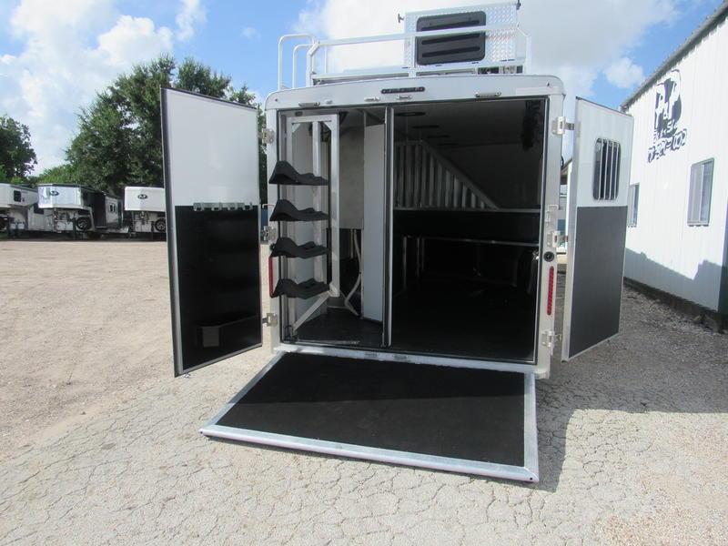 2019 Bison Laredo 4 Horse 16' Shortwall Super Slide