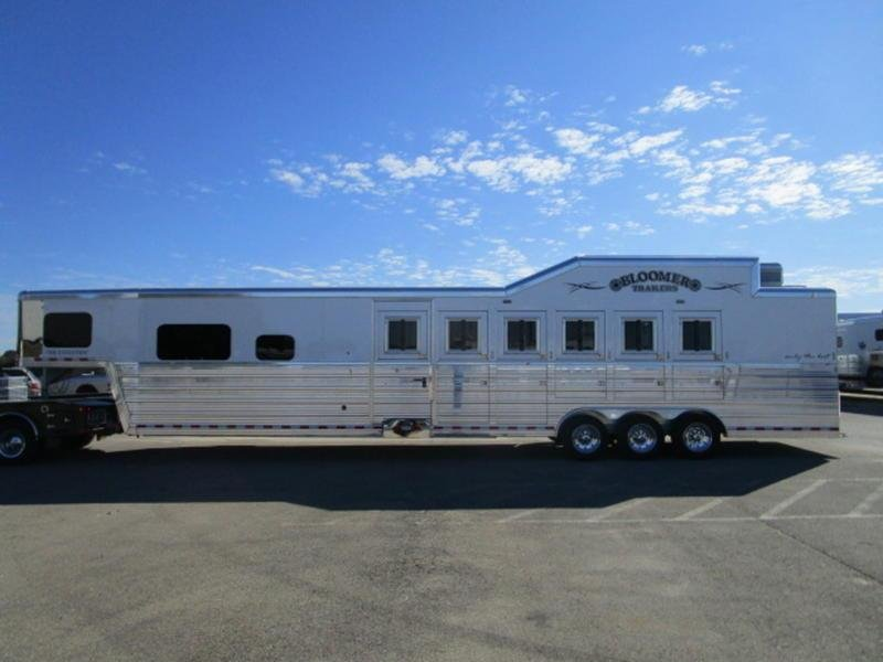 2018 Bloomer Trailers 6H 12'8 SW PC Load with Generator