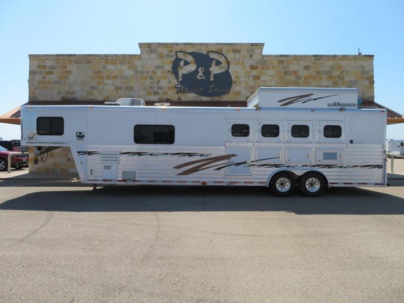 2002 Bloomer 4H 14ft SW Horse Trailer in Ashburn, VA