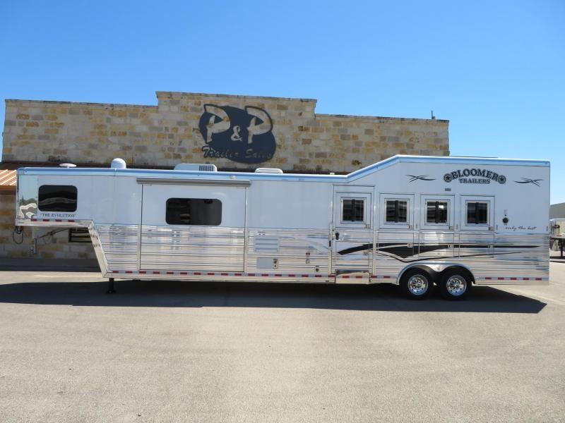 2019 Bloomer Trailers 4 Horse 15.5 ft Short Wall in Ashburn, VA