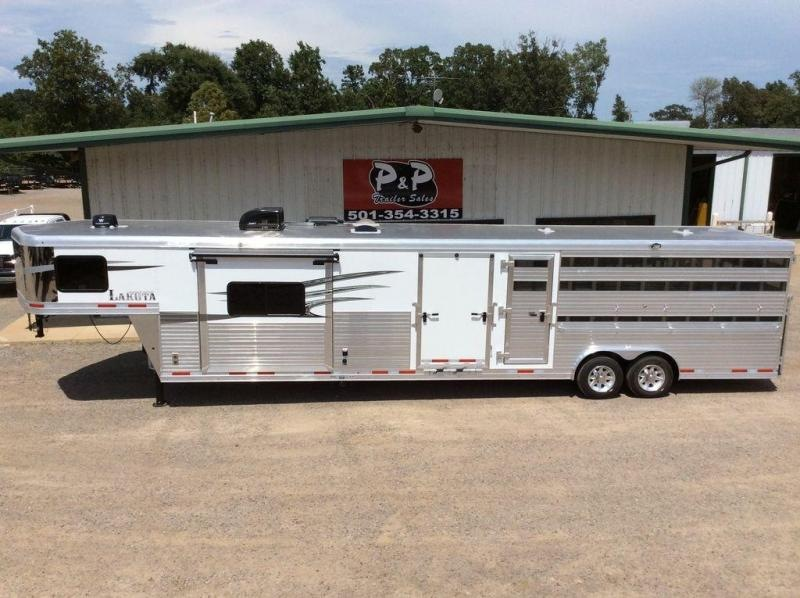 2019 Lakota Stock Trailer 11' LQ LE81611