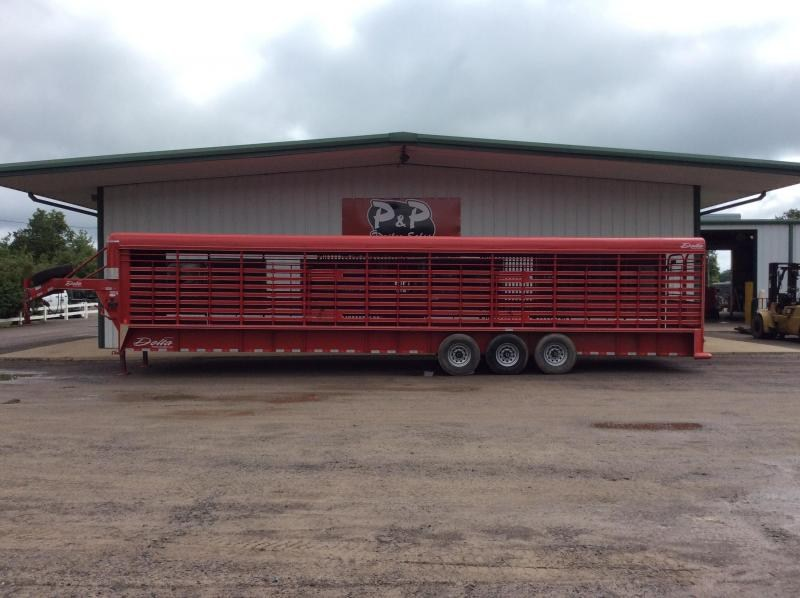 2013 Delta Manufacturing 36 Stock 36' Livestock Trailer in Ashburn, VA