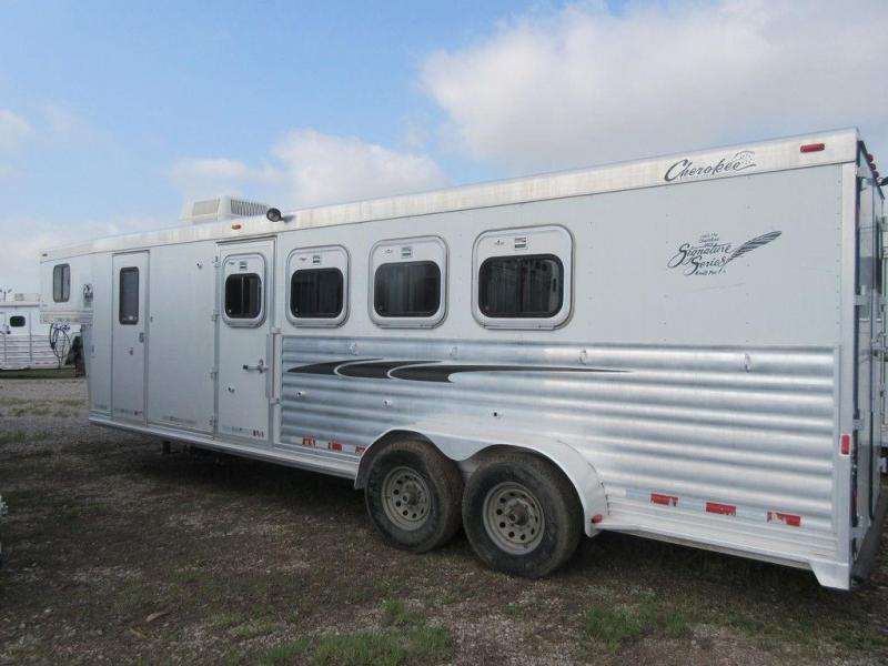 2004 Cherokee Trailers 7408 4 Horse 8' Shortwall