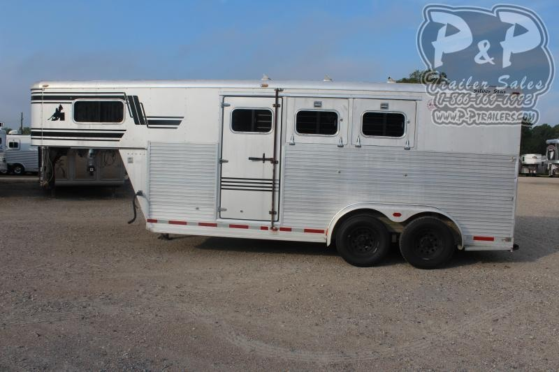 1997 Silver Star Trailers 3H 3 Horse Slant Load Trailer