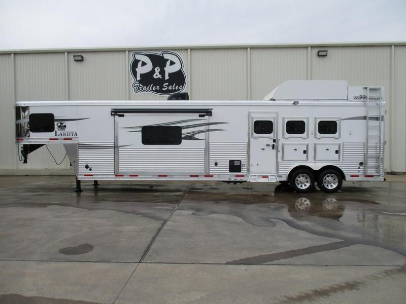 2018 Lakota Trailers Charger Edition C8317EH 3 Horse 17' Short Wall with Slide-out