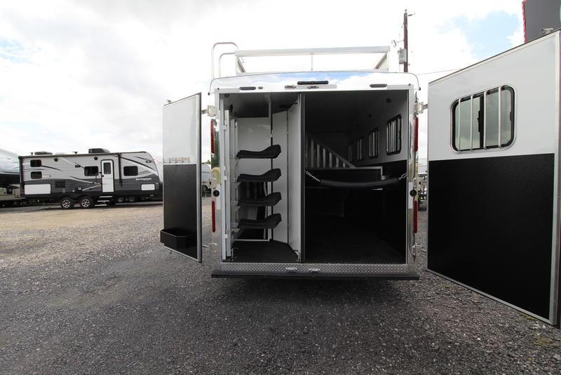 2019 Bison Ranger 8414 4 Horse 14' Short Wall