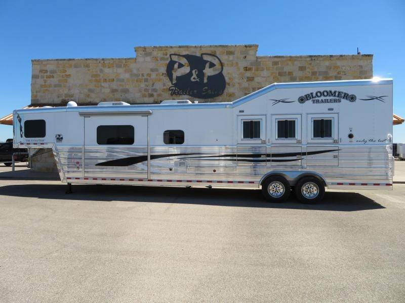 2019 Bloomer Trailers 3 Horse 17'2