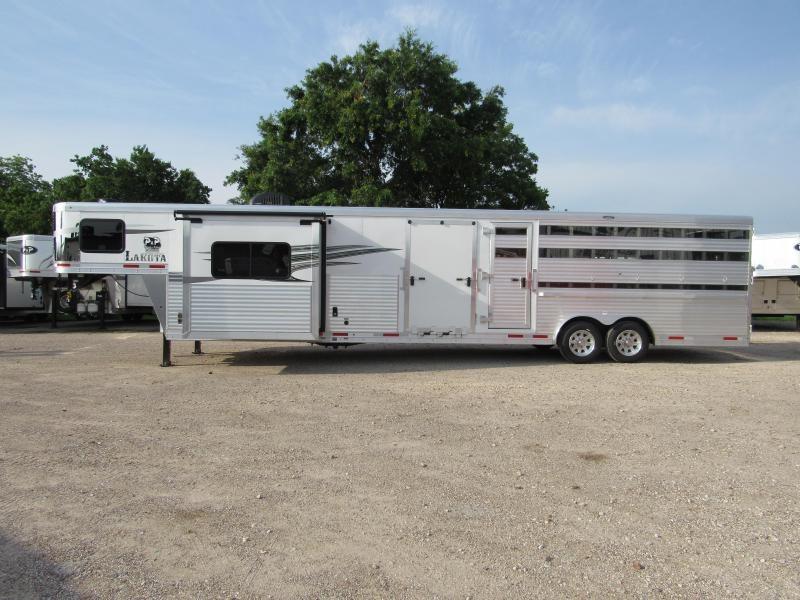 2020 Lakota LE81611 11 Living Quarters 16' Stock 32' Livestock Trailer LQ in Ashburn, VA