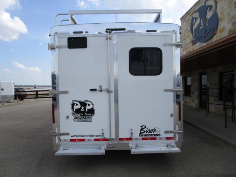 2019 Bison 4 Horse side load w/ 14ft Short wall