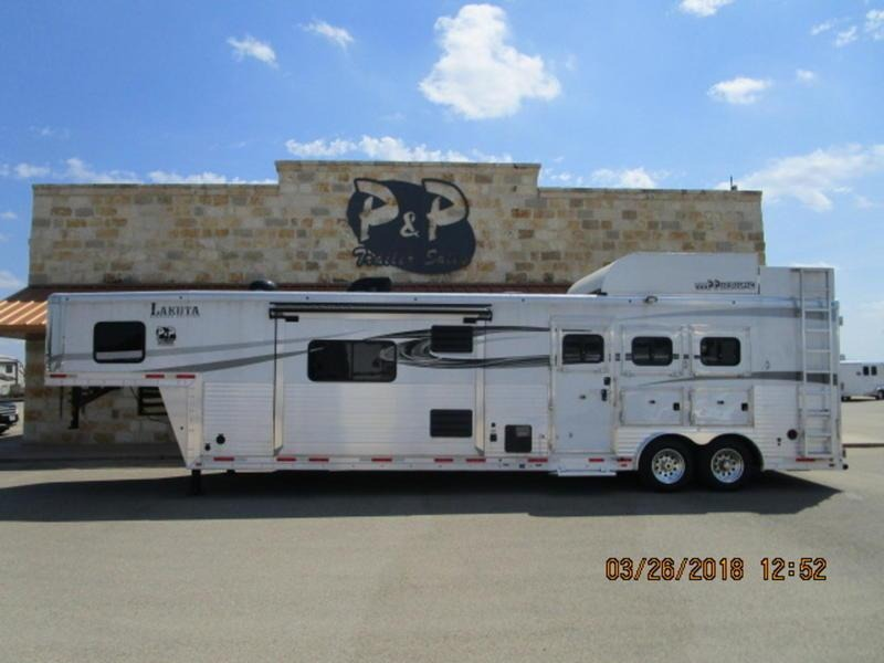 2016 Lakota Trailers Big Horn 3 Horse 16FT SW with 9FT Slide-Out in Ashburn, VA