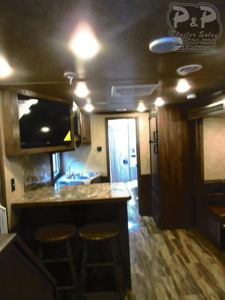 2020 Lakota Charger Edition C8415SR 4 Horse Slant Load Trailer 15 FT LQ With Slides