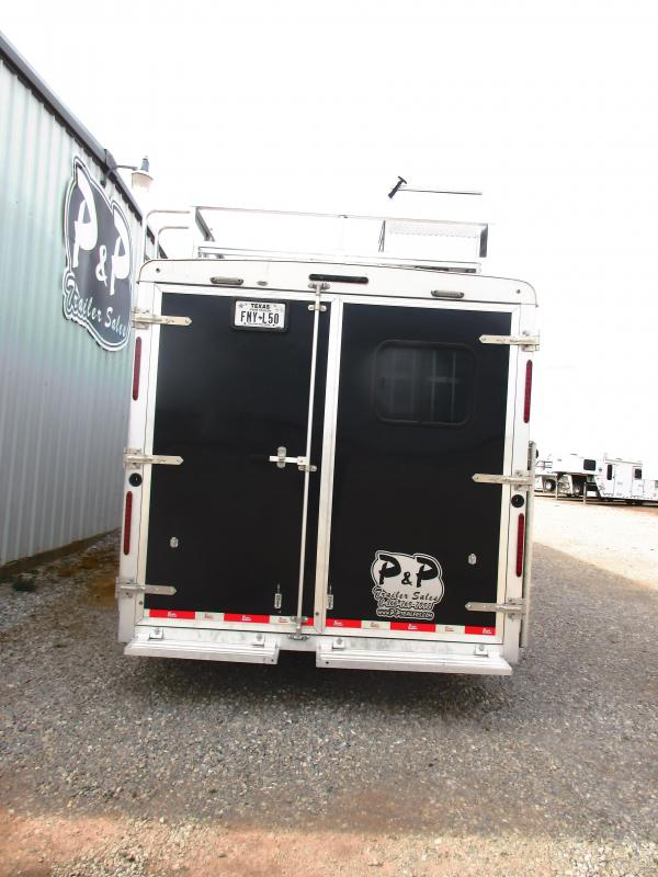2018 Bison Trailers Bison Laredo 4 Horse 13 Living quarter side-load Horse Trailer