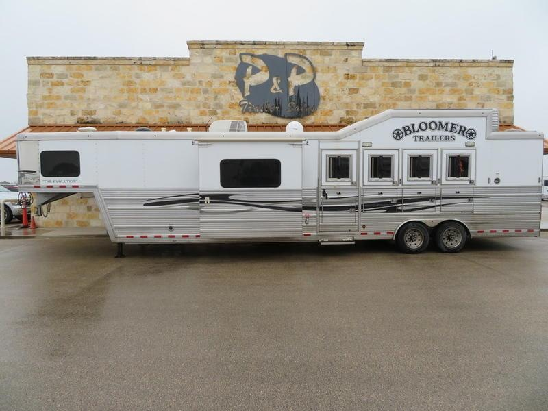 2012 Bloomer Trailers 4 Horse 14' SW with Slide Out and Bunk Beds