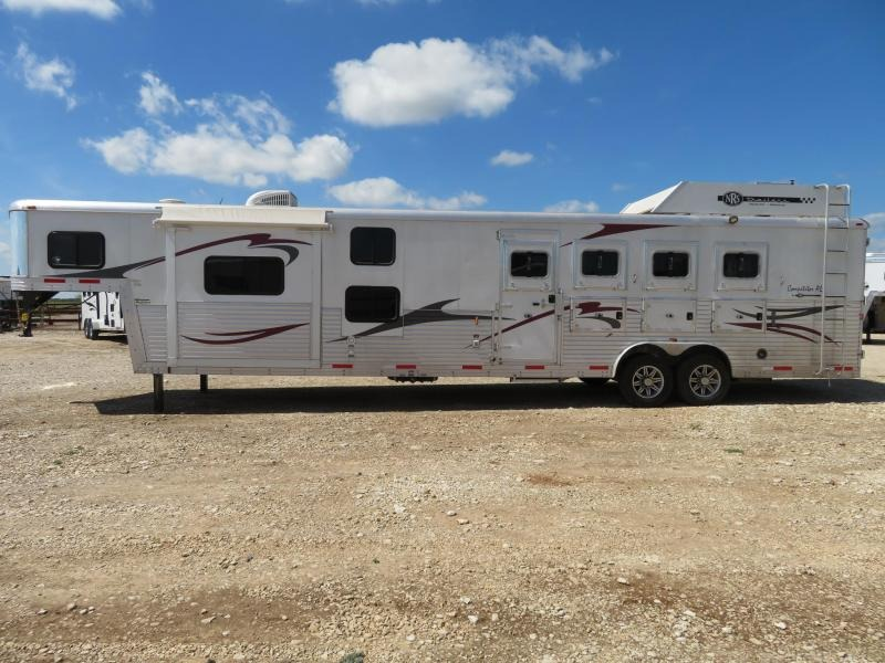 2014 Bison Trailers 8416 Competitor AL 4 Horse Slant Load Trailer 16 LQ With Slides w/ Ramps in Ashburn, VA