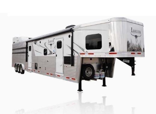 2019 Lakota Bighorn BLE8X11RK 11ft LQ Livestock Trailer