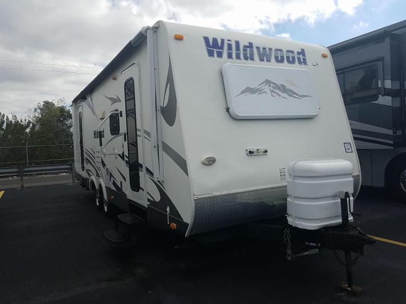 2009 Forest River Wildwood LA Series 262FLS Travel Trailer