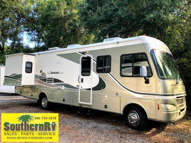 2004 !!!PENDING SALE!!!  Fleetwood RV Southwind 32VS Class A RV