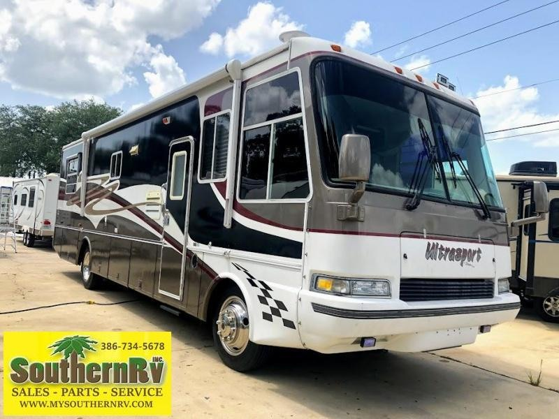 1999 !!SALE PENDING!!  Damon Corporation Ultrasport 3670 Class A DIESEL RV