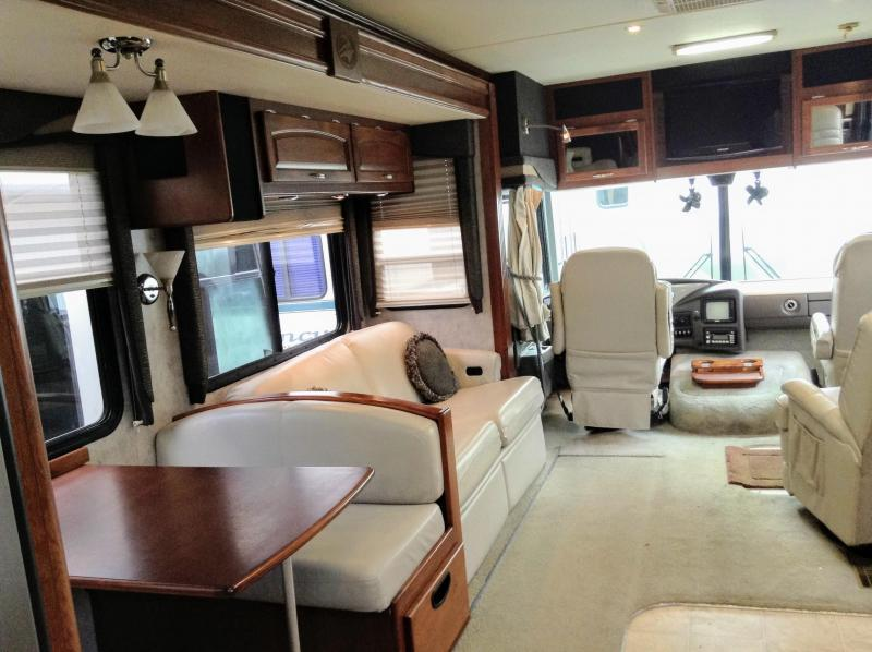 2007 Fleetwood RV Pace Arrow 35A
